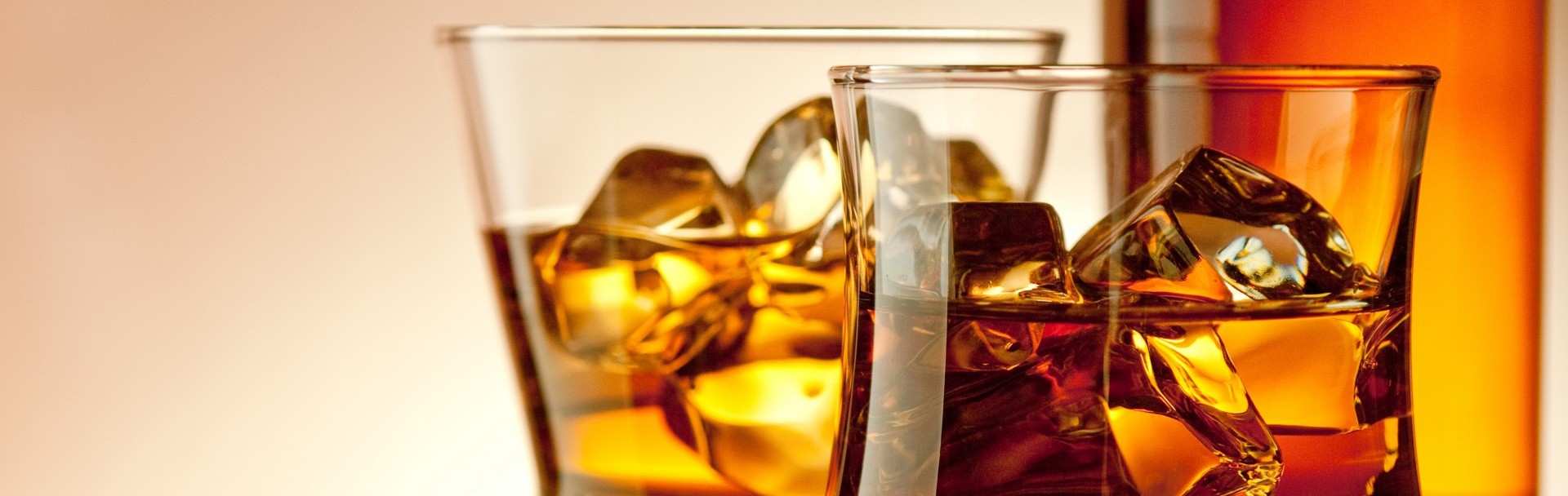 Алкогольні  та слабоалкогольні напої