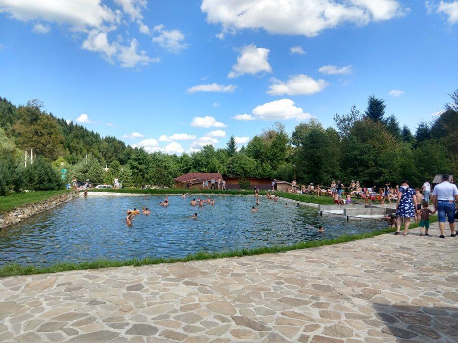(Українська) Великий ставок для купання